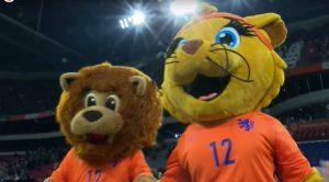 Dutchy en Kicky mascotte