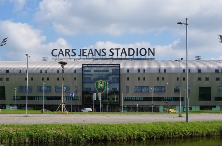 ado den haag cars jeans stadion buiten