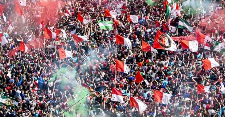 feyenoord publiek met vlaggen
