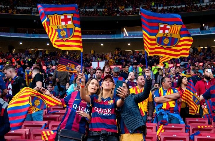 fans fc barcelona tribune stadion