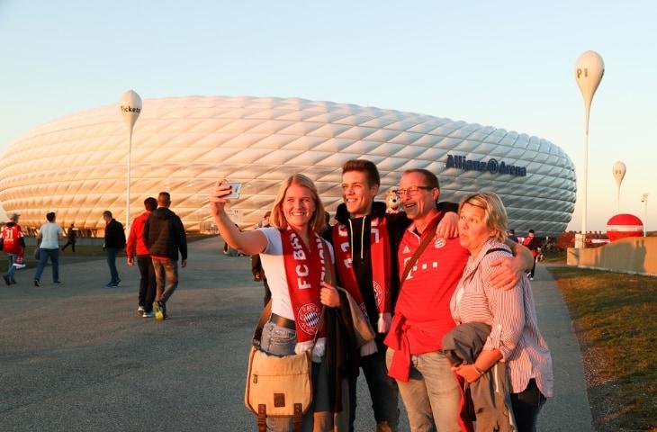 fans bayern munchen foto maken stadion allianz arena
